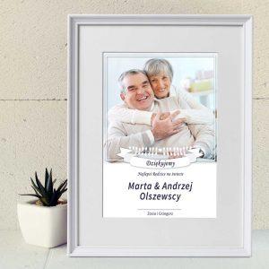 Minimalistyczny kolaż ze zdjęcia na rocznicę ślubu dla rodziców PicArta