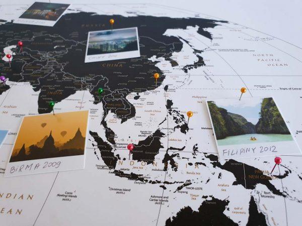 Mapa Podróży na ścianę do zaznaczania miejsc czarno-biała