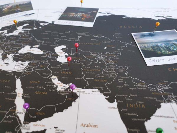 Korkowa Mapa Podróży na ścianę do zaznaczania miejsc czarno-biała